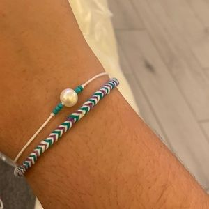 Pearl string bracelet & fishtail friendship